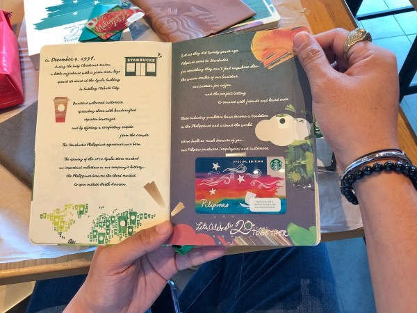 Each Planner comes with free Special Edition Pilipinas Starbucks Card