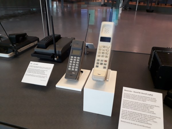 The Motorola Dyna Tac.