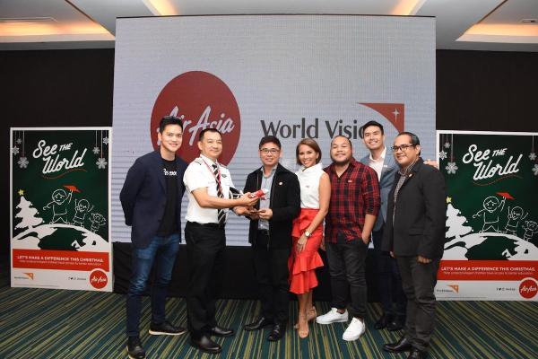 AirAsia and World Vision officials
