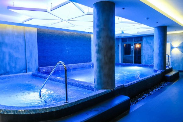 Hot and Cold Bath Spa – Marina Bay spa and lifestyle club