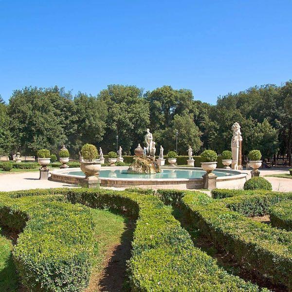 The garden of Borghese gallery