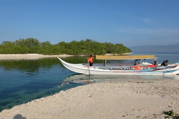 Visiting Santa Cruz Island Lagoon