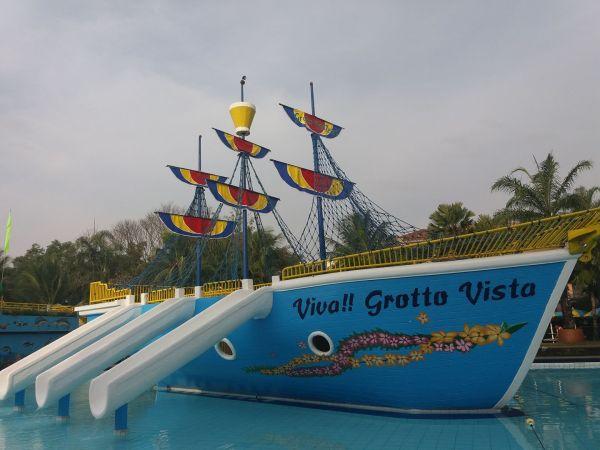 Grotto Vista Resort