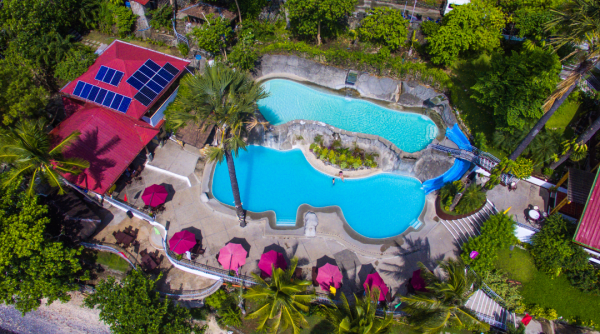 Eagle Point Resort overview double-level swimming pool