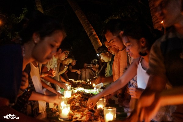 Boodle fight at Inaladelan Island