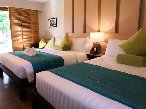 Luxury Hotel Villas in Carles