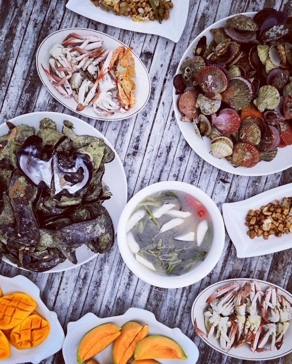 Seafood Lunch in Islas de Gigantes