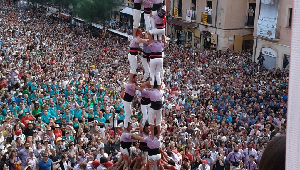 human castells 8 and 9 tiers high