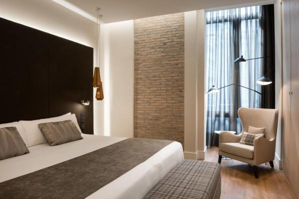 Hotel Catalonia Gran Via Reviews