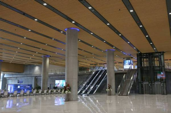 Inside Mactan-Cebu Airport Terminal 2 photo by MJ de Leon