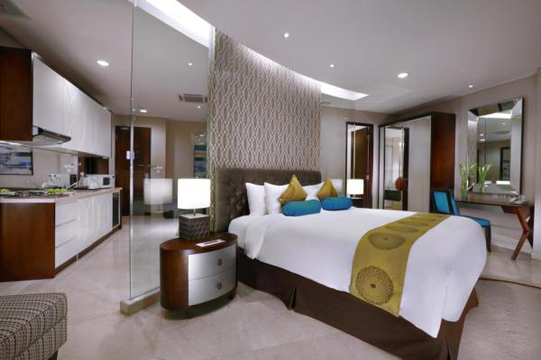 The Grove Suites