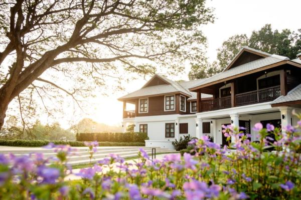 Na Nirand Romantic Resort