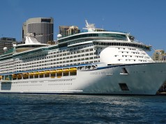 Voyager of the Seas in Sydney, Australia by Amnesiac86 via Wikipedia CC