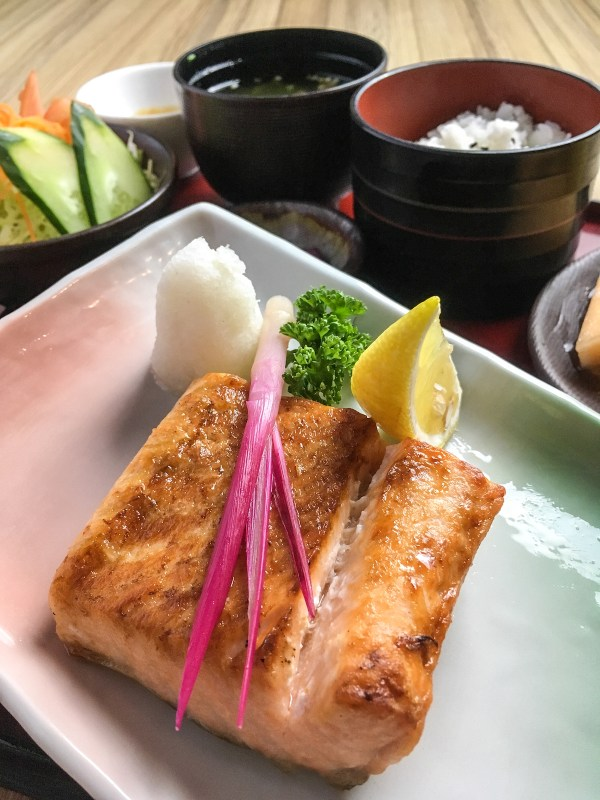 GRILLED FISH SET - Kitsho's very affordable executive lunch sets make noontime dining a daily feast!