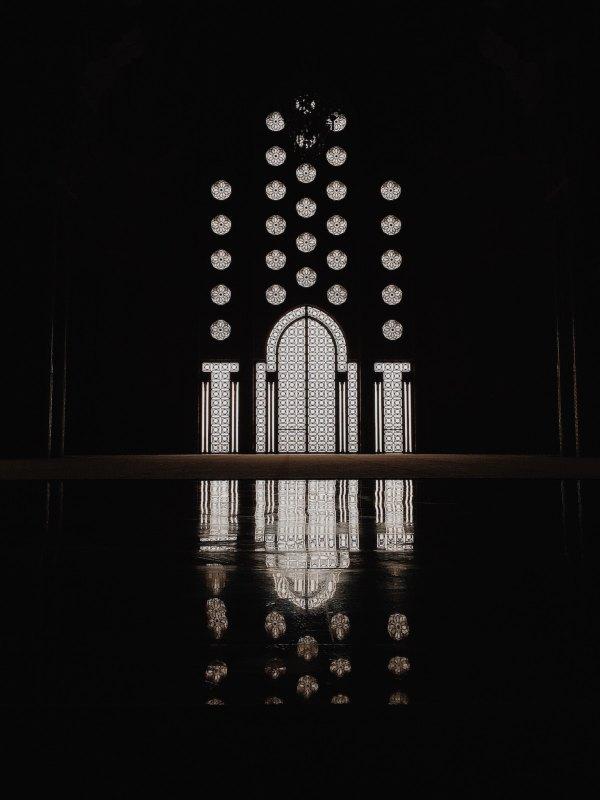 Hassan II Mosque, Casablanca by Huilin Dai via Unsplash
