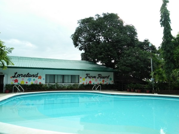 One of the swimming pools at Lorelands Farm Resort