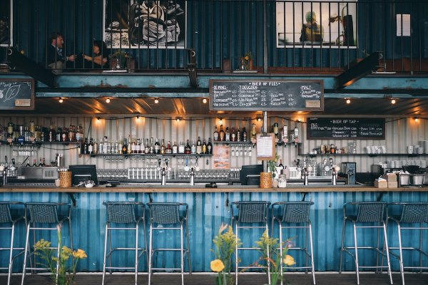 Resto Bars Amsterdam by Benjamin Zanatta via Unsplash