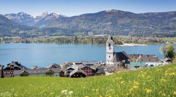 Salzburg and the Lake District Tour photo via KLOOK