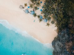 Secret Beach El Nido photo by Justin Kauffman via Unsplash