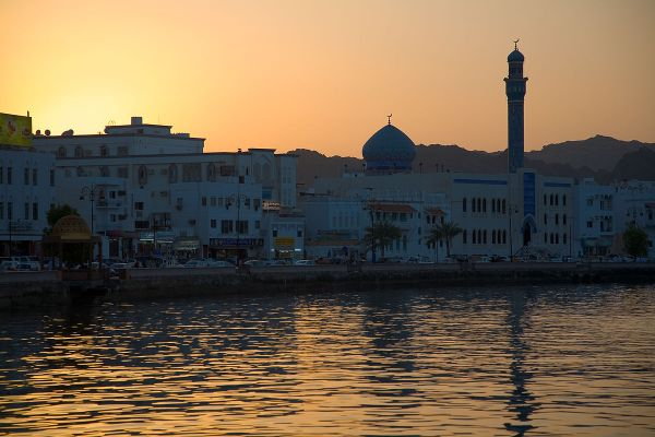 Sunset in Muttrah by Andries Oudshoorn via Wikipedia CC
