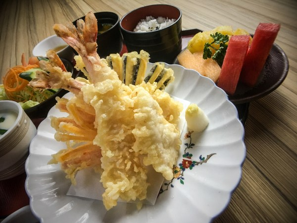TEMPURA SET - The Ebi tempura is one the Filipinos most loved dish of all time!