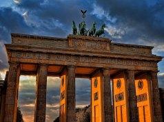 Berlin Travel Guide photo by Ricardo Gomez Angel via Unsplash