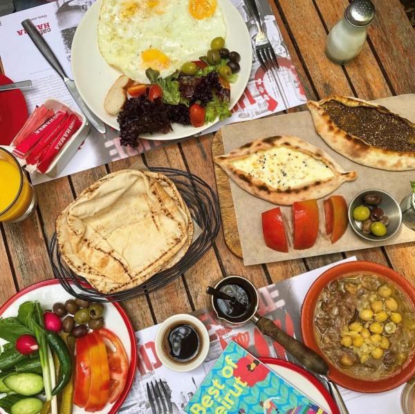 Cafe Hamra photo credit: @frankiefrazerstyling
