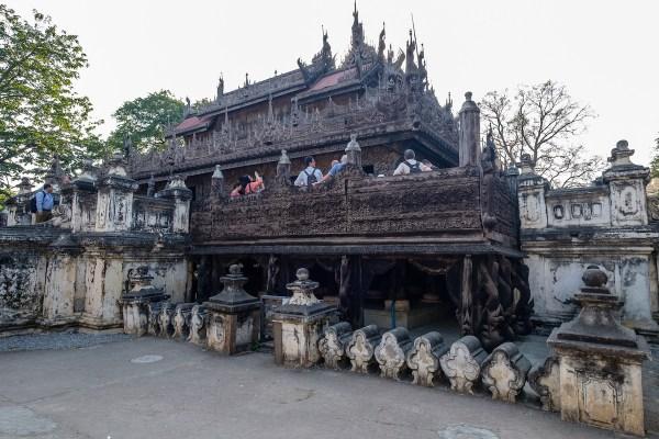 Shwenandaw Kyaung by Allan Harris via Flickr CC