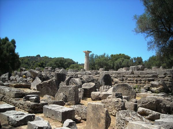 Temple of Zeus by Elisa.rolle via Wikipedia CC