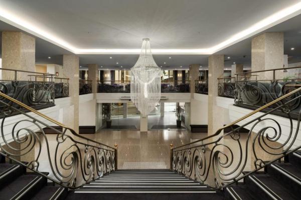 The Victoria Hotel Melbourne