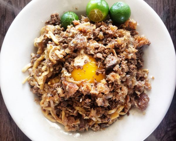 Pancit Batil Patong photo by Josiphine Tagudin