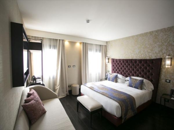Venice Times Hotel