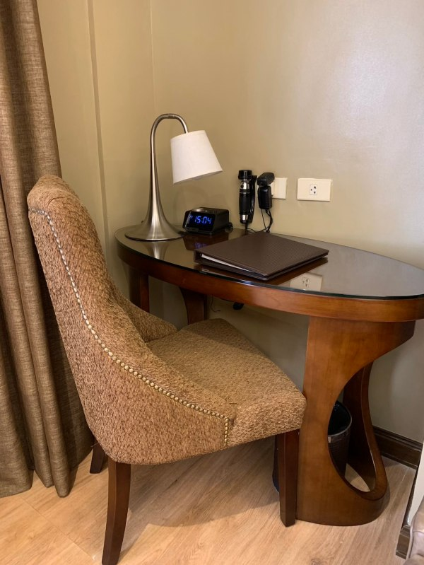 Best Western Pampanga Workdesk