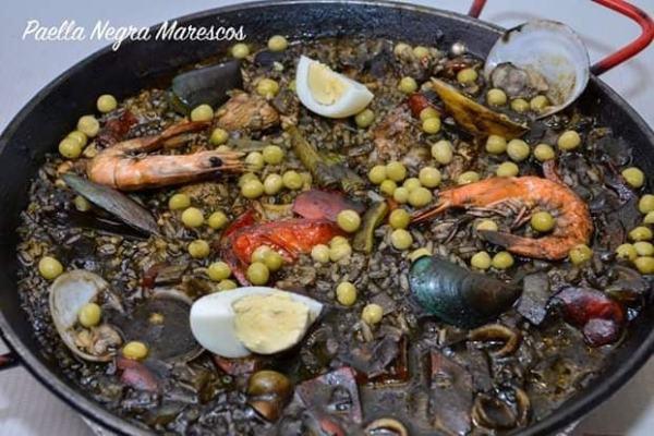 Paella Negra Marescos