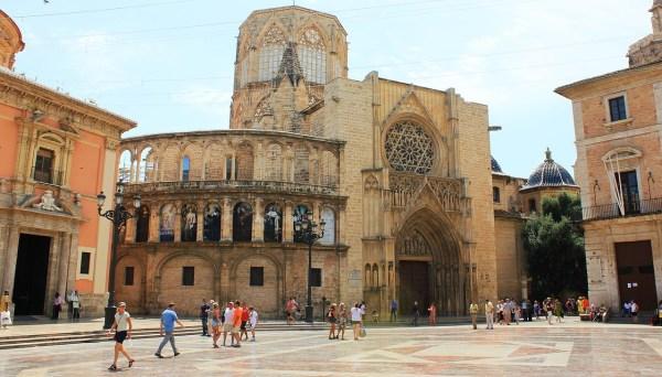 Valencia Travel Guide