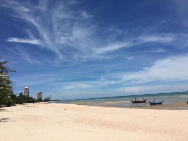 Cha-Am Beach Club