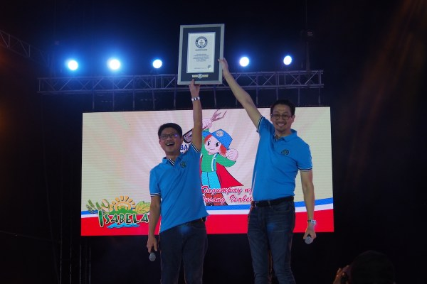 Guinness World Record for Dancing Scarecrows