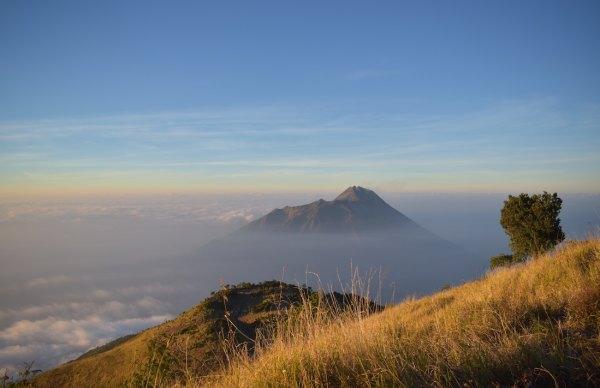 Hike Mt Merapi photo by Aliko Sunawang via Unsplash