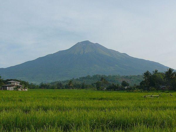 Mt. Kanlaon photo via Wikipedia CC