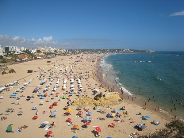 Praia da Rocha photo by Hugo Cadavez via Wikipedia CC