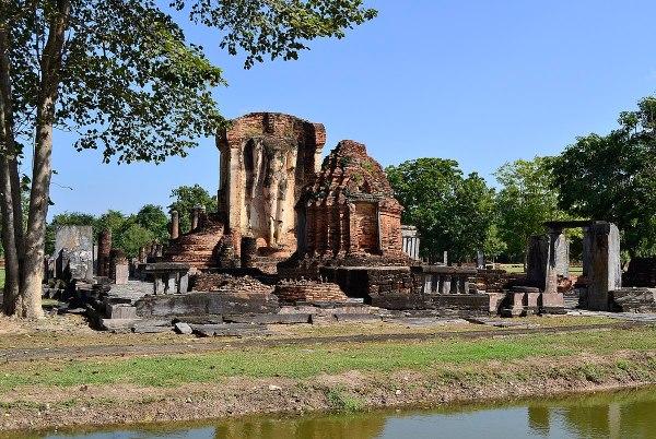Wat Chetuphon by Hartmann Linge via Wikipedia CC