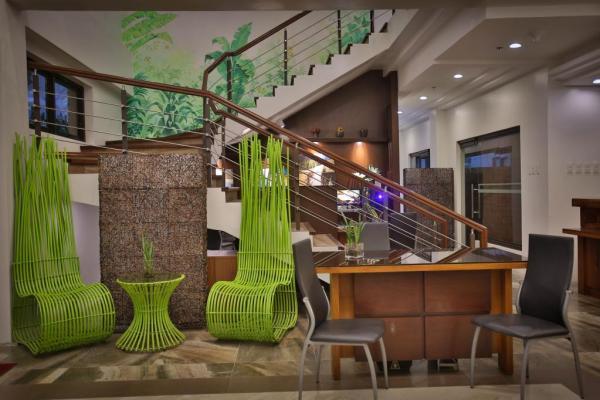 Coron Soleil Resort Lobby