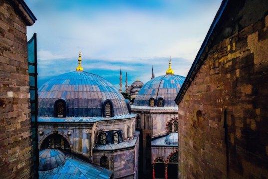 Hagia Sophia Museum - Best Things to do in Istanbul photo Blaque X via Unsplash