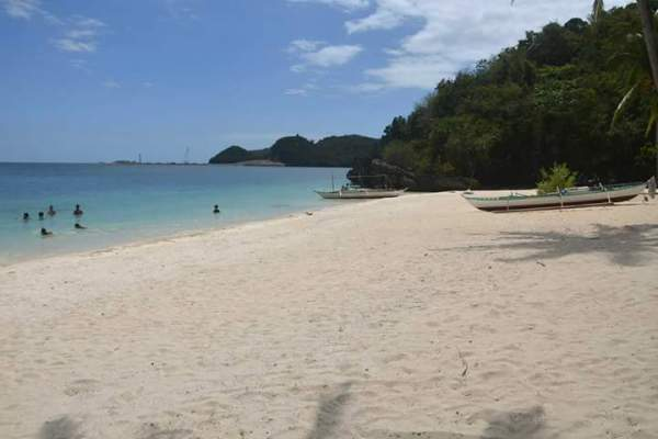 Puting Buhangin Beach in Pagbilao Quezon photo via Pagbilao Tourism FB Page