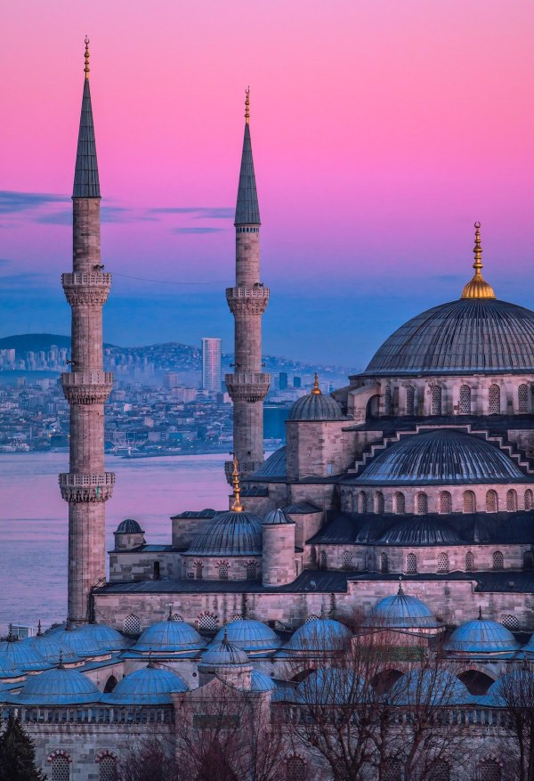 The Blue Mosque Istanbul by Fatih Yurur via Unsplash