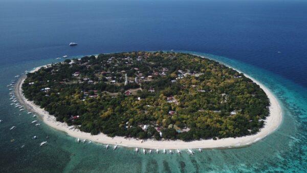 Balicasag Island - by Fabian Encarnacion
