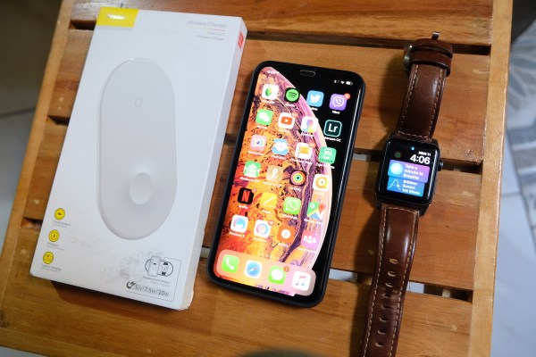 Baseus Smart Wireless Charger for both iPhone and Apple Watch