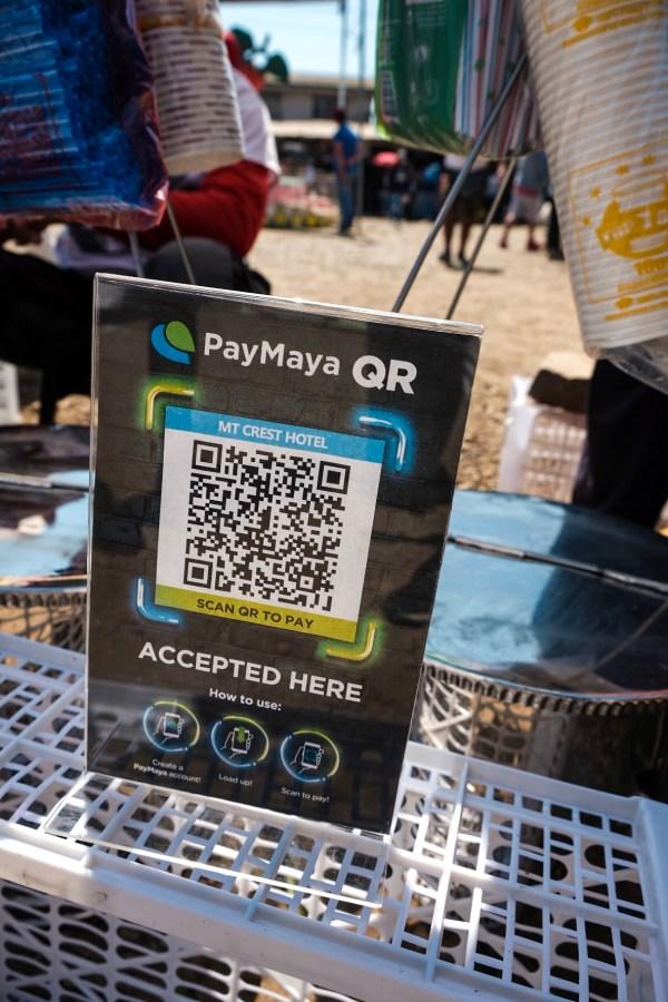 Buying Strawberry Taho during PayMaya Cashless Adventure