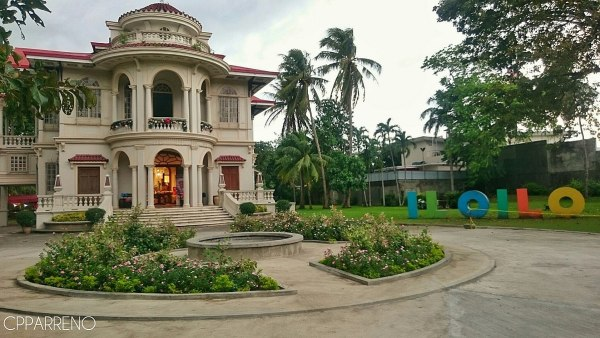 Molo Mansion in Iloilo photo by Cpparreno via Wikipedia CC