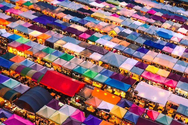 Bangkok Night Market by Lisheng Chang via Unsplash